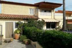 ocasion chalet con piscina y parking y vistas,